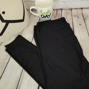Lularoe Black TC2 Leggings